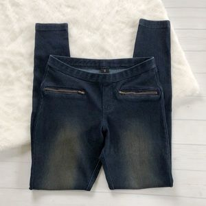 Hue Dark Wash Blue Jeggings w/ Knee Patches Sz S